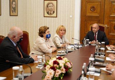Мая Манолова след консултациите: ИБГНИ ще положи всички усилия за сформиране на правителство