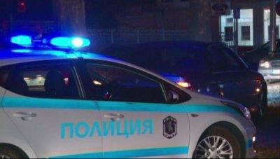 """Хванаха бежанци, укрити в каросерия на камион, в столичния квартал """"Обеля"""""""