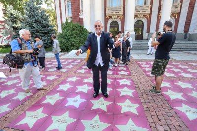"""257 звезди в """"Алея на славата"""" пред Народния театър (Снимки)"""