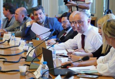 Приеха за първо четене актуализациите на трите основни бюджета на държавата