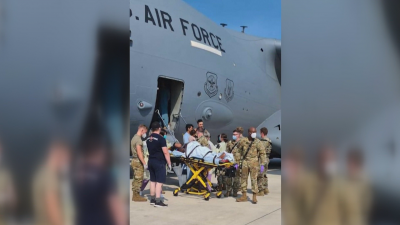 Афганистанка роди в самолет по време на евакуация