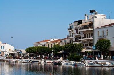 Ръст на случаи на COVID-19 по гръцките острови