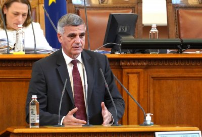 Стефан Янев: Към момента не се налага включване на въоръжените сили в охраната на границата