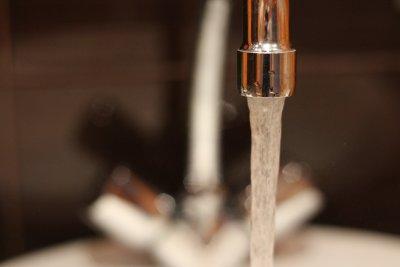 До утре ще бъде отстранена аварията, която отложи пускането на топлата вода в Перник