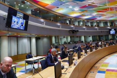ЕС замразява парите по програмите за Афганистан