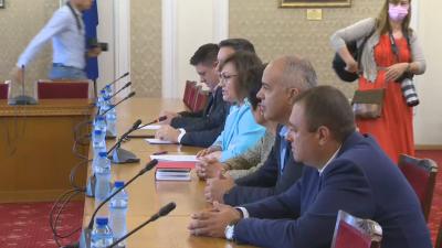 БСП на срещата с ИБГНИ: Правим тази среща като последен опит за формиране на правителство