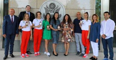 Херо Мустафа се срещна с олимпийците ни от Игрите в Токио