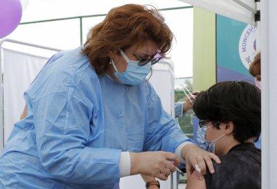 Румъния започва имунизация на ученици и учители