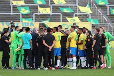 Скандалът с прекратения мач Бразилия - Аржентина се разраства (ВИДЕО)