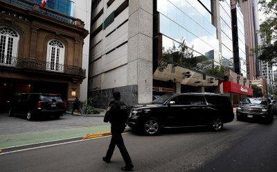Правителството и опозицията на Венецуела преговарят в Мексико