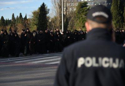 Протести в Черна гора заради интронизацията на митрополит Йоаникий