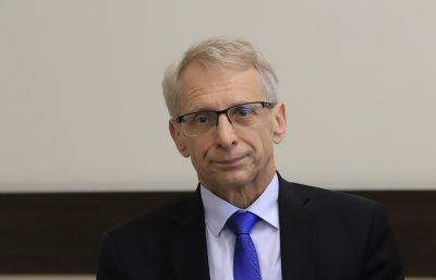 Министър Денков: Посрещаме новата учебна година по-опитни, подготвени и отговорни
