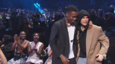 Поп звездата Джъстин Бийбър спечели голямата награда на MTV