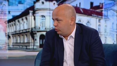 Александър Симов, БСП: Парламентът прилича на психиатрия, останала без лекарства