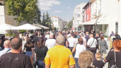 Протест на ресторантьори във Враца срещу ковид мерките