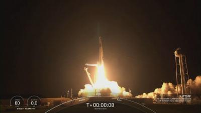 Цивилният екипаж на Спейс Екс ще лети в Космоса три дни
