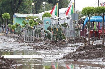 16 загинали след наводнение в болница в Мексико