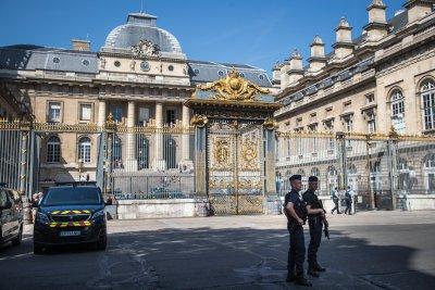 Започна делото за терористичните атаки в Париж през 2015 г.