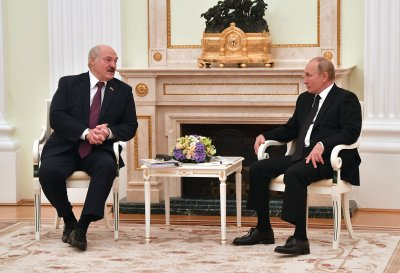 Александър Лукашенко е на посещение в Москва