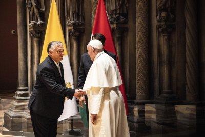 Папа Франциск на 7-часово посещение в Унгария