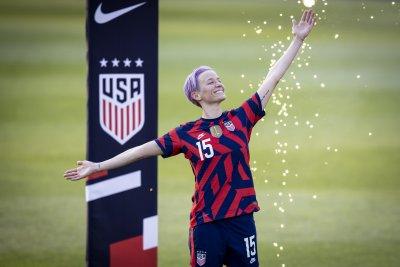 Предложиха идентични договори при мъжете и жените във футбола в САЩ