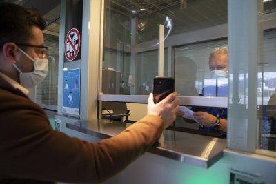 Нови правила за влизане в Швейцария за неваксинирани и непреболедували COVID-19