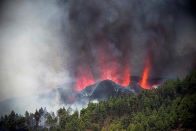 В сърцето на дракона - остров Ла Палма след избухването на вулкана (ГАЛЕРИЯ)