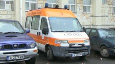 Петима души, сред които две деца, са в болница след тежка катастрофа на пътя Бургас – Средец