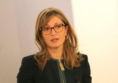 Захариева: Кандидатпрезидентската двойка на ГЕРБ има шанс да спечели, ако са добре познати имена