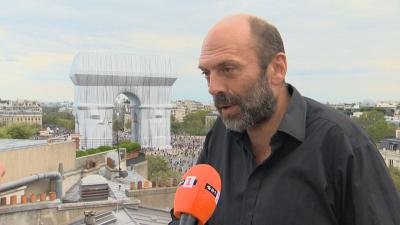 Специално за БНТ: Владимир Явашев за опакованата Триумфална арка