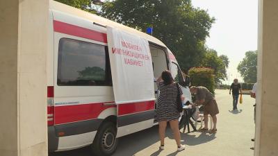 След агресията от антиваксъри - ще продължи ли работа медицинският пункт във Варна