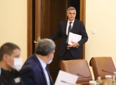 Премиерът Стефан Янев назначи петима нови заместник-министри