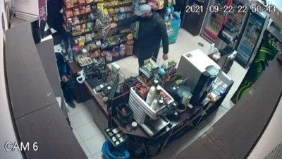 Задържаха мъж, обрал магазин в Елин Пелин