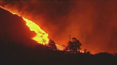 Вулканът на Ла Палма: Реки от лава заливат острова