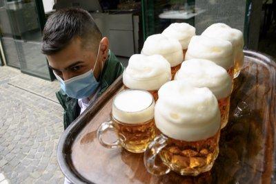 Преразглеждат идеята за алкохол на трибуните в Англия