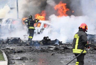 Самолет се разби в Милано - има загинали