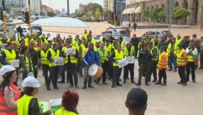Пътностроителните фирми излязоха на национален протест заради неизплатени заплати