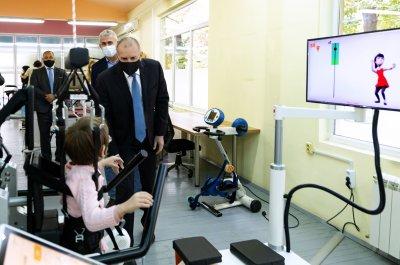 """Специализираната болница за рехабилитация на деца получи дарение от """"Българската Коледа"""""""