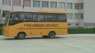 Няма кой да кара училищните автобуси в Бяла