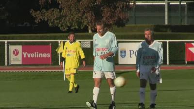 Благотворителен мач: Макрон вкара гол от дузпа