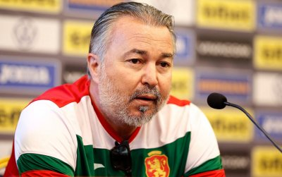 Ясен Петров подготвя различен състав за мача със Северна Ирландия