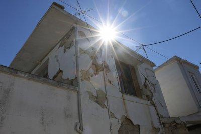 Цунами и материални щети след земетресението в Крит