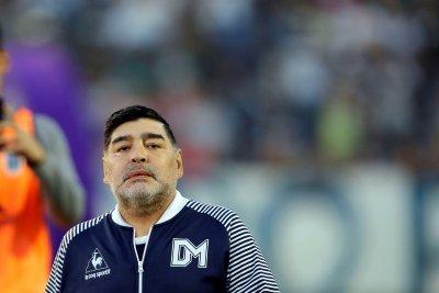 """Линекер още не е простил на Богдан Дочев за """"Божията ръка"""" на Марадона"""