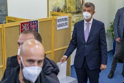 Втори ден на парламентарни избори в Чехия