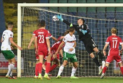 Националите ни по футбол рухнаха срещу Литва