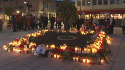 Жителите на норвежкия град Конгсберг почетоха жертвите на нападението с лък