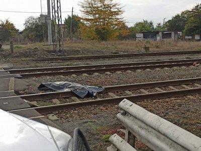 """Мъж бе прегазен от бързия влак Бургас - София край жп гара """"Долно Езерово"""""""