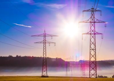 Цената на тока спира производства и във Франция