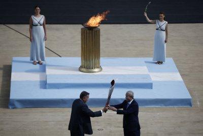 Делегация от Пекин прие олимпийския огън