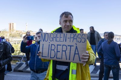 Строги мерки в Италия: Не можеш да отидеш на работа без зелен сертификат